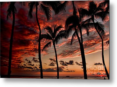 Waikiki Sunset Metal Print by David Smith