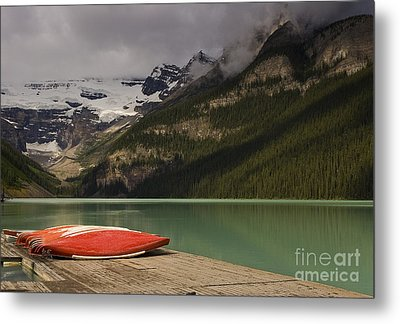 Waiting Metal Print by Dee Cresswell