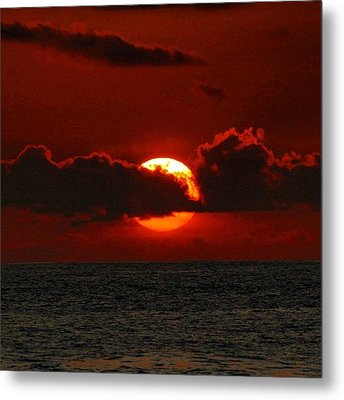 Waiting For The Green Flash That Never Metal Print by Brian Governale