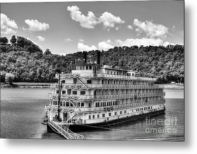Waiting On The Levee Bw Metal Print by Mel Steinhauer