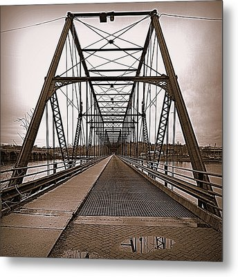 Walnut Street Bridge Metal Print by Joseph Skompski
