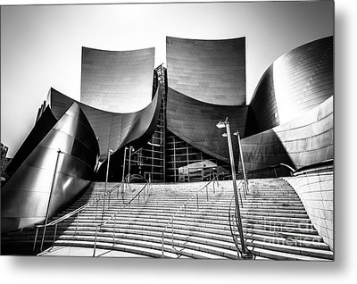 Walt Disney Concert Hall In Black And White Metal Print by Paul Velgos