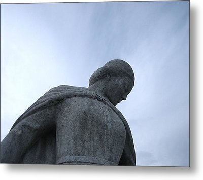 Metal Print featuring the photograph War Memorial  by Cheryl Hoyle
