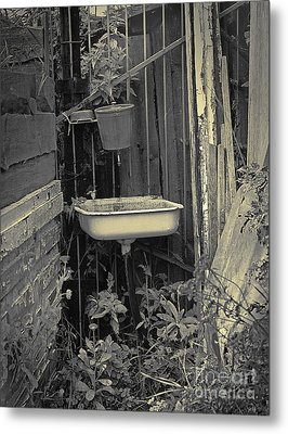 Metal Print featuring the pyrography Wash Basin by Evgeniy Lankin
