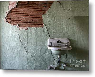 Washed Up Metal Print by Deena Otterstetter