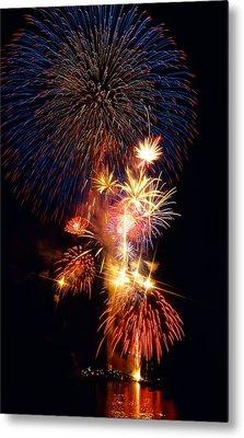 Washington Monument Fireworks 3 Metal Print by Stuart Litoff