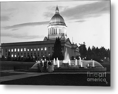 Washington State Capitol And Tivoli Fountain At Dusk 1950 Metal Print by Merle Junk