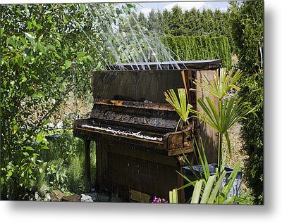 Water On My Piano Metal Print by Irene  Theriau