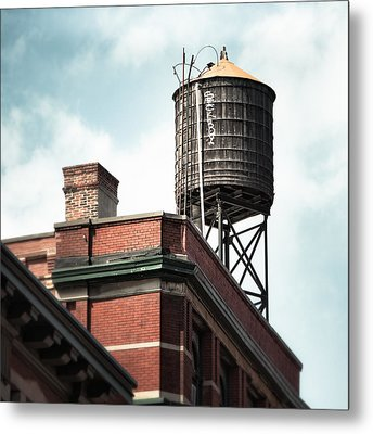 Water Tower In New York City - New York Water Tower 13 Metal Print by Gary Heller