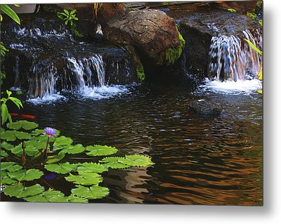 Waterfall On Kanapali Metal Print