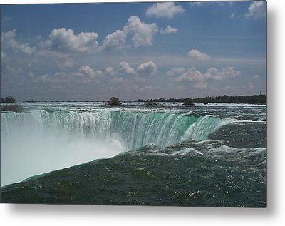 Metal Print featuring the photograph Water's Edge by Barbara McDevitt