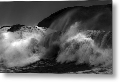 Wave Metal Print by Alasdair Turner