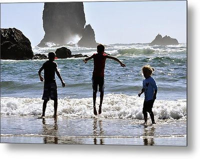 Wave Jumping 25614 Metal Print by Jerry Sodorff