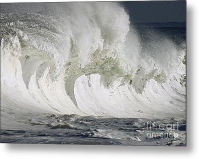Wave Whitewash Metal Print by Vince Cavataio