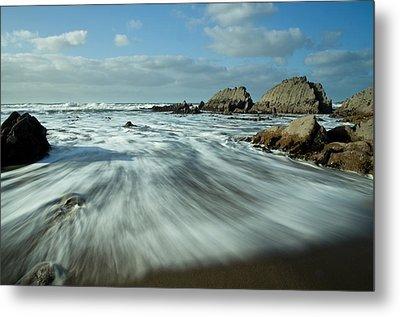 Waves At Blegberry Beach Metal Print by Pete Hemington