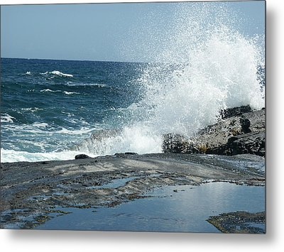 Waves Crashing On The Forbidden Isle Metal Print by Kai Hyde