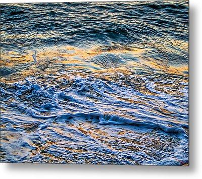 Waves Of Pacific Ocean Metal Print