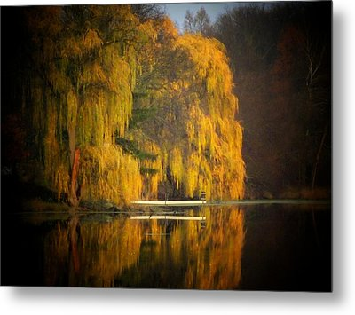 Weeping Willow Pier Metal Print