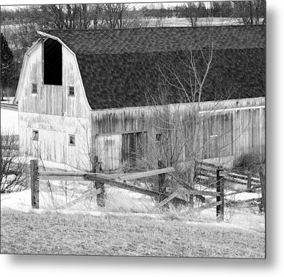 Western New York Farm 1 In Black And White Metal Print by Tracy Winter