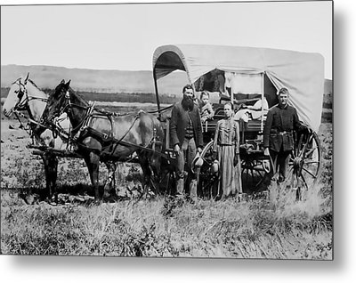 Westward Family In Covered Wagon C. 1886 Metal Print by Daniel Hagerman