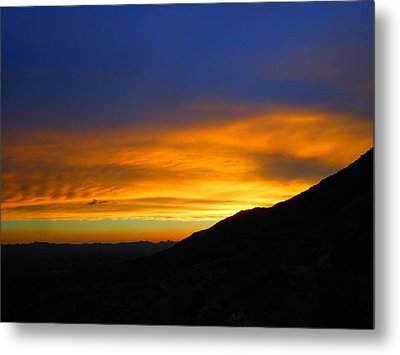 When Darkness Falls Metal Print