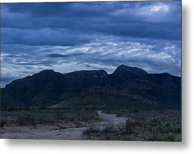 Metal Print featuring the photograph Whetstones At Dusk by Beverly Parks