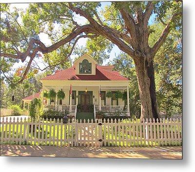 White Oak Manor Jefferson Texas Metal Print by Donna Wilson