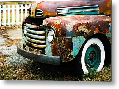White Picket Dreams II Metal Print by Off The Beaten Path Photography - Andrew Alexander