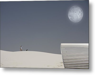 White Sands Moonrise Metal Print