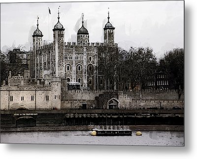 White Tower At Tower Of London Metal Print