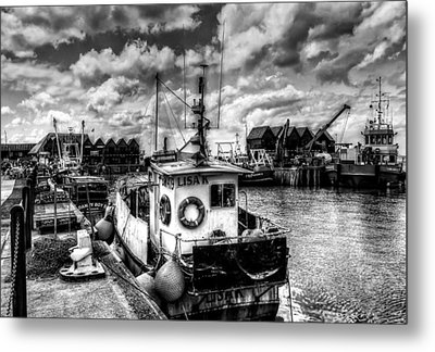 Whitstable Harbour Mono Metal Print by Ian Hufton