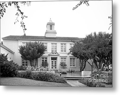 Whittier College Hoover Hall Metal Print by University Icons
