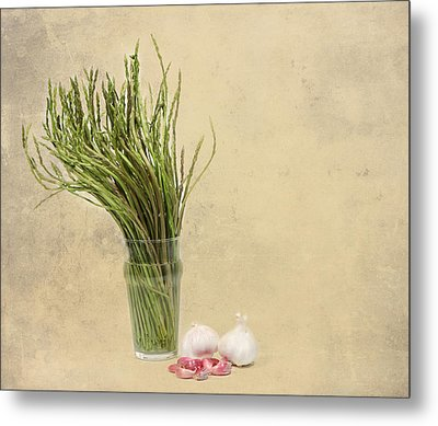 Wild Asparagus And Garlic Metal Print by Angela Bruno