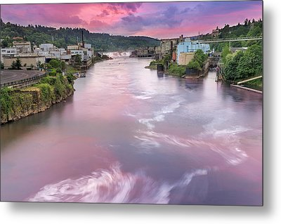 Willamette Falls During Sunset Metal Print by David Gn