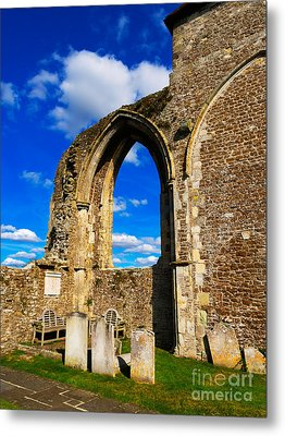Winchelsea Church Metal Print by Louise Heusinkveld