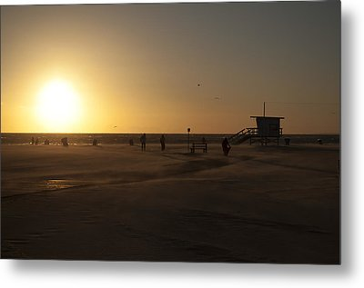 Windy Sunset At Santa Monica Beach Metal Print by Oscar Karlsson