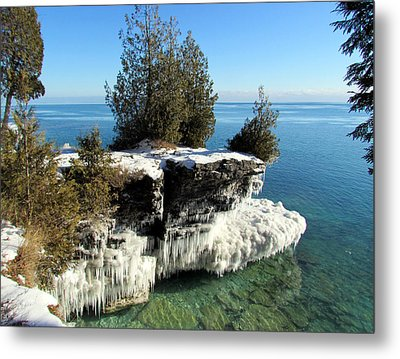 Winter At Cave Point Metal Print by David T  Wilkinson
