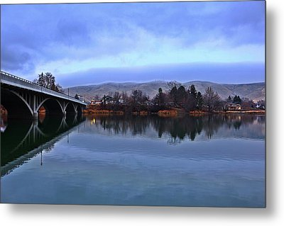 Metal Print featuring the photograph Winter Reflection by Lynn Hopwood