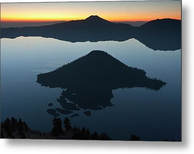 Wizard Island At Dawn, Crater Lake Metal Print by William Sutton
