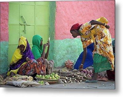 Women Traders At A Market In Harar Metal Print by Tony Camacho
