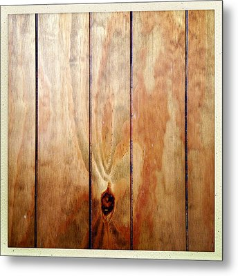 Wooden Panel Metal Print by Les Cunliffe