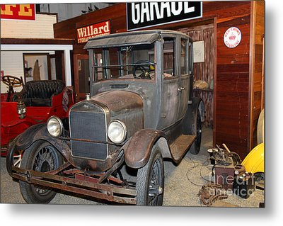 Working On The Old Ford Model T 5d25570 Metal Print by Wingsdomain Art and Photography