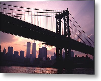 World Trade Towers Manhattan Bridge At Sunset Nyc Metal Print