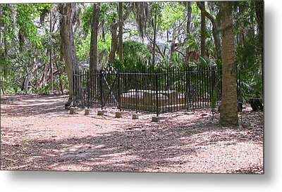 Wormsloe Cemetery Plot Metal Print by D Wallace