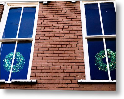 Wreaths In A Window Metal Print by Audreen Gieger-Hawkins