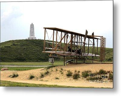 Wright Brothers Memorial At Kitty Hawk Metal Print by William Kuta
