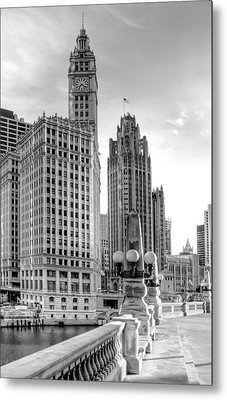 Wrigley And Tribune Metal Print by Scott Norris