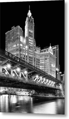 Wrigley Building At Night In Black And White Metal Print by Sebastian Musial