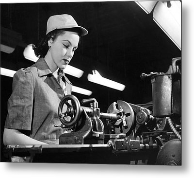 Wwii Woman War Worker Metal Print by Underwood Archives