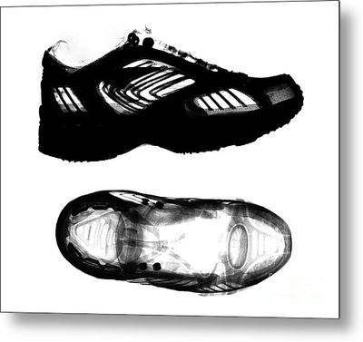 X-ray Of Athletic Shoe Metal Print by Bert Myers